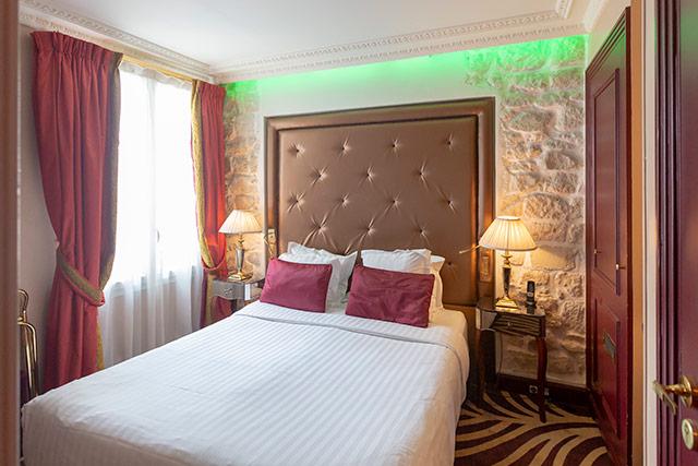 hoteldubeaumont-chambres-doubleclassique-chambre4