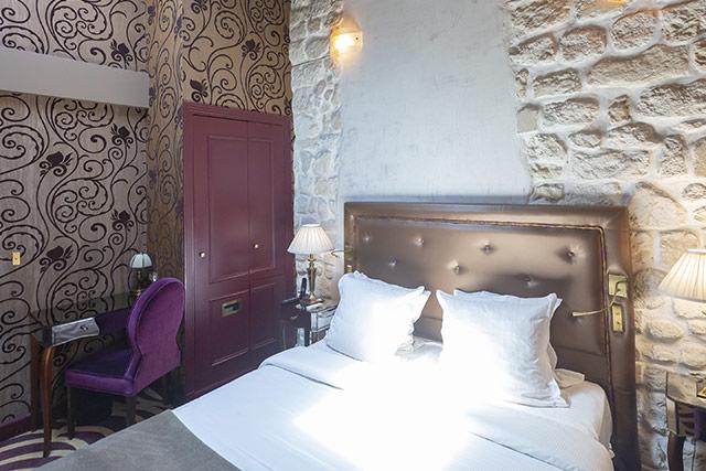 hoteldubeaumont-chambres-doublesuperieur-chambre11