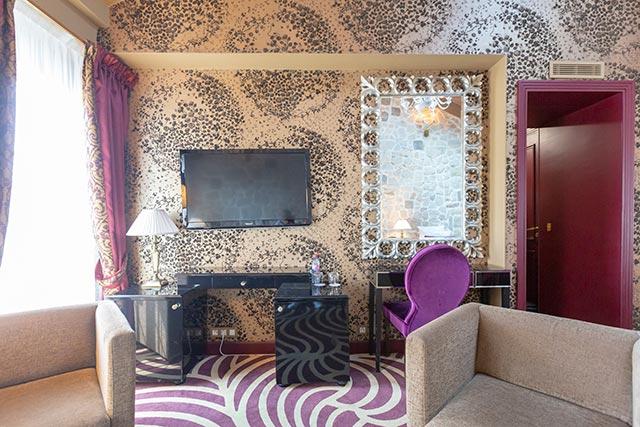 hoteldubeaumont-chambres-suite-sallon4
